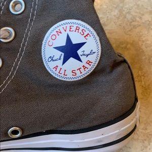 Converse Allstars gray pre loved condition sz 5.5